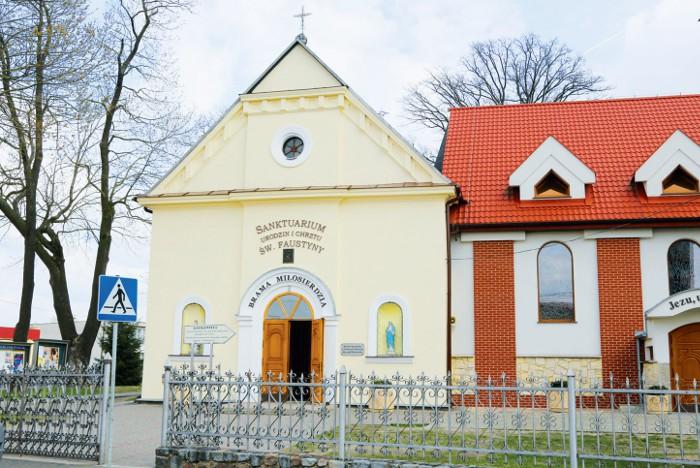 Kościół w Świnicach Warckich - parafia apostołki Miłosierdzia