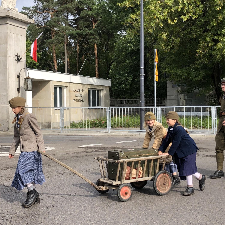 Rembertów: rocznicowy przemarsz 236 Pułku Piechoty Legii Akademickiej